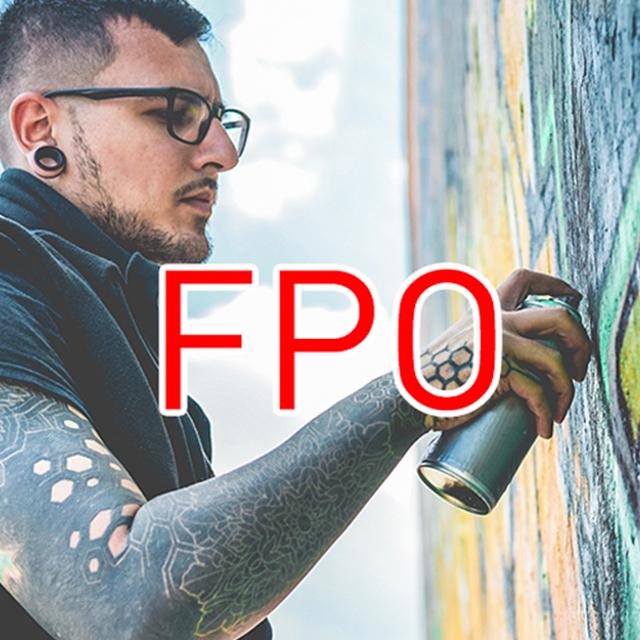 graffiti artist spraypainting